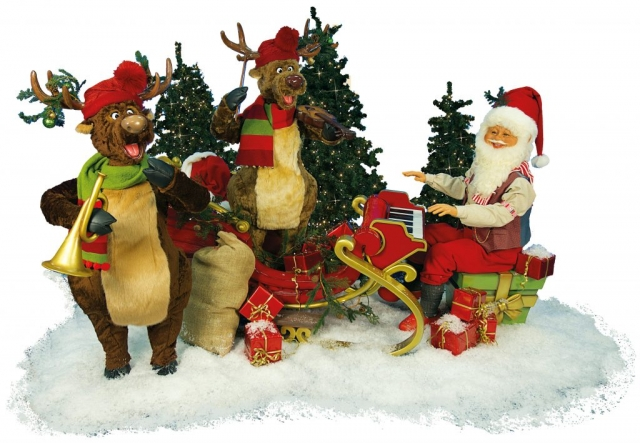 The Reindeers and Santa Claus moving to synchronized music